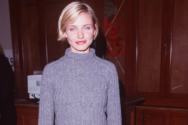 Great Outfits in Fashion History: '90s Cameron Diaz in a Turtleneck Sweater and Midi Skirt